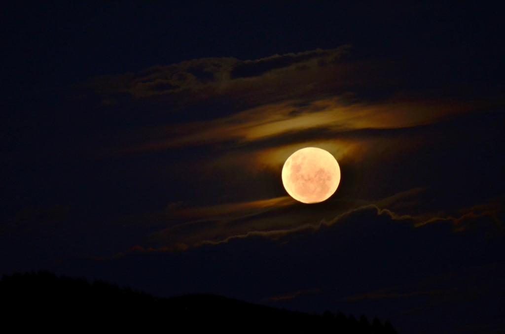 14-mai-2014, nascer da Lua cheia.