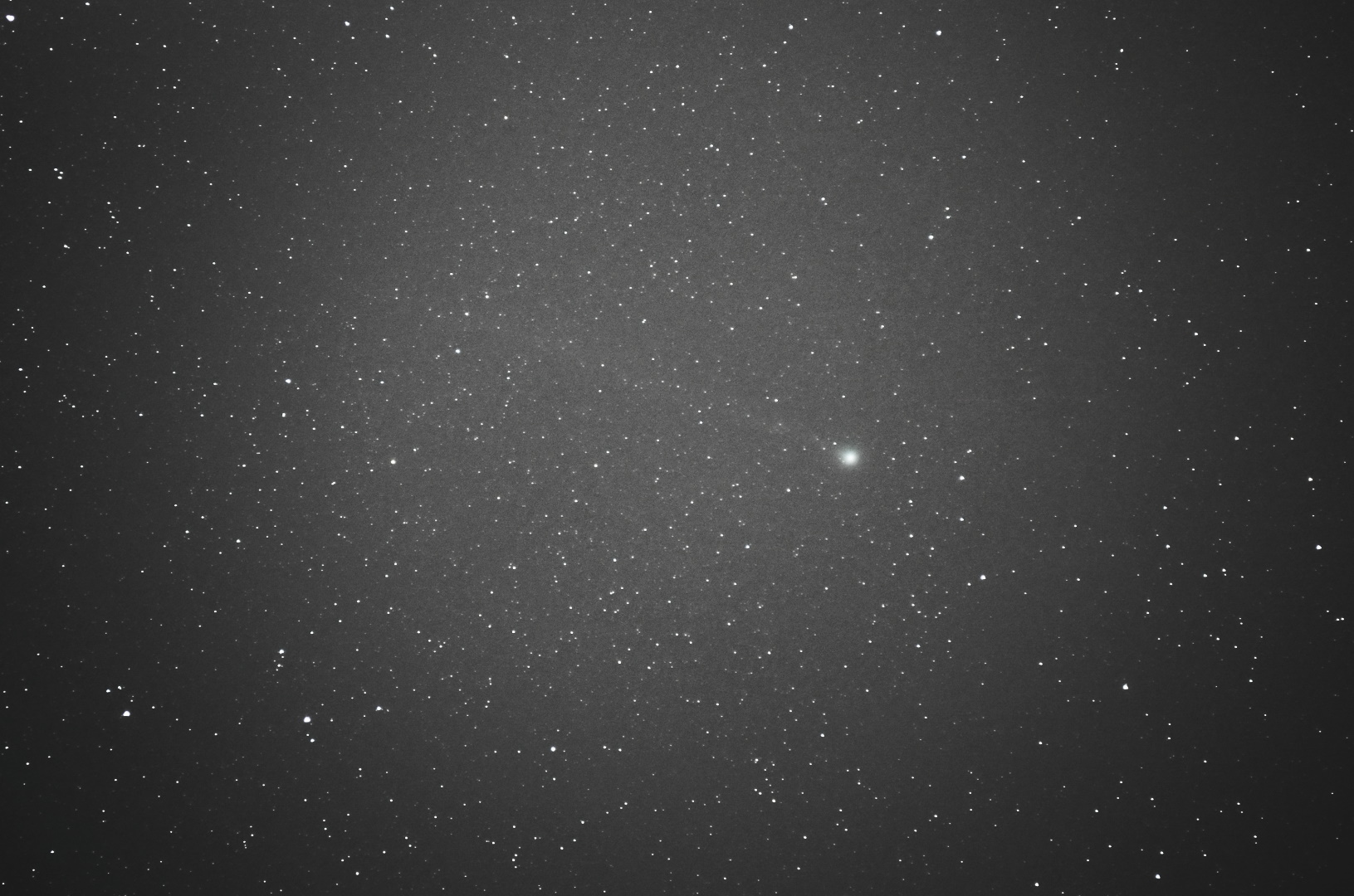 sky-comet-c2014-q2-lovejoy.150108-2329UTC 101stack-55m6400i5f6-4s-average-mergeall-3-1080